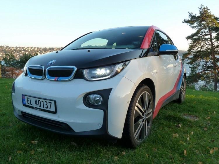 BMW-i3-M-Sport-Folierung-Dekor-Motorsport-Farben-Norwegen-08-750x562